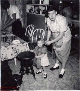 195312MarciaCrawfordPianoStoolRobertaCrawford