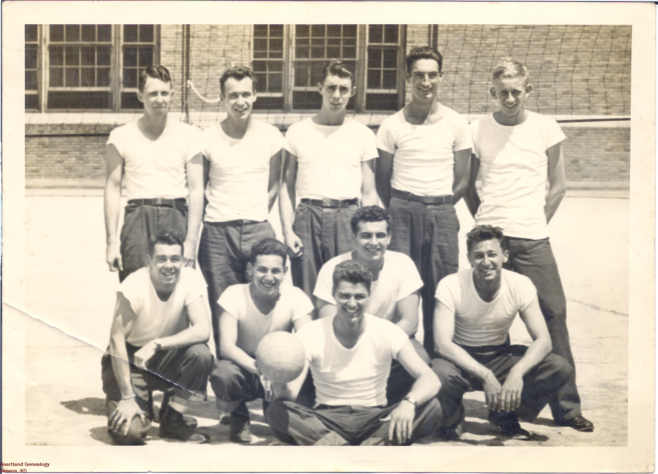 Crawford-Eugene-b1927-1946-Navy-Sailors-Back-Right