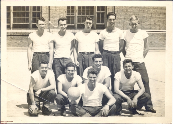 Crawford-Eugene-b1927-1946-Navy-Sailors-Back-Right