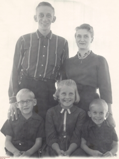 1961-Crawford-Eugene-Family-Portrait240
